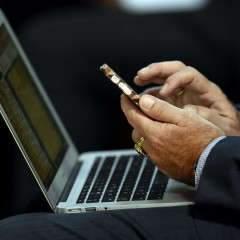 Le smartphone et ses applications, outil digital à formater la pensée