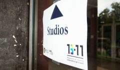 Séances d'entretiens dans les studios du sous-sol du bâtiment Sciences humaines et arts