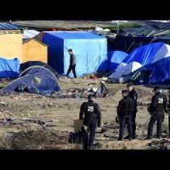 Calais : la police aide au contrôle la Jungle