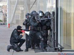 L'attentat contre le journal satirique Charlie Hebdo le 7 janvier 2015 à Paris est le premier et le plus meurtrier des trois attentats de janvier 2015 en France.
