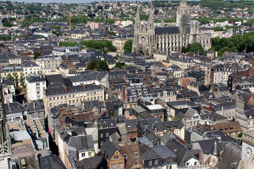 Rouen : 13 morts six blessés dans un incendie