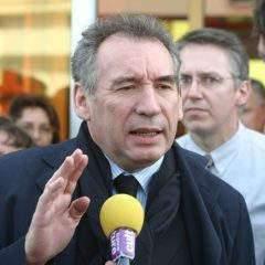 François Bayrou sort du bois
