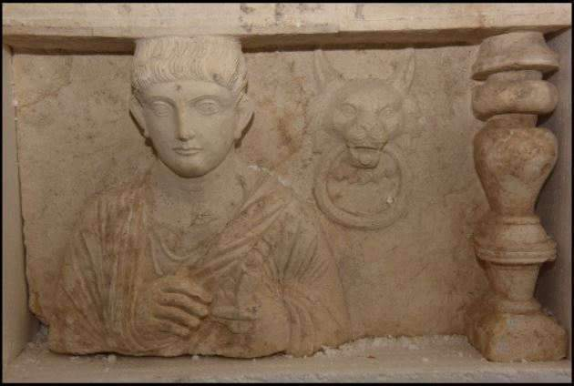 bas-relief-funéraire