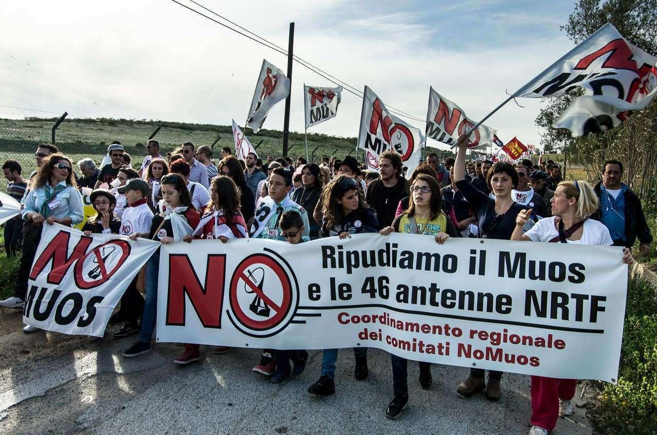 Manifestation en 2013 à Niscemi contre les antennes MUOS