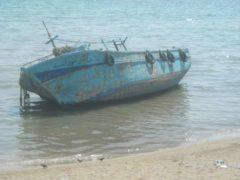 une-barque-en-provenance-du-maghreb
