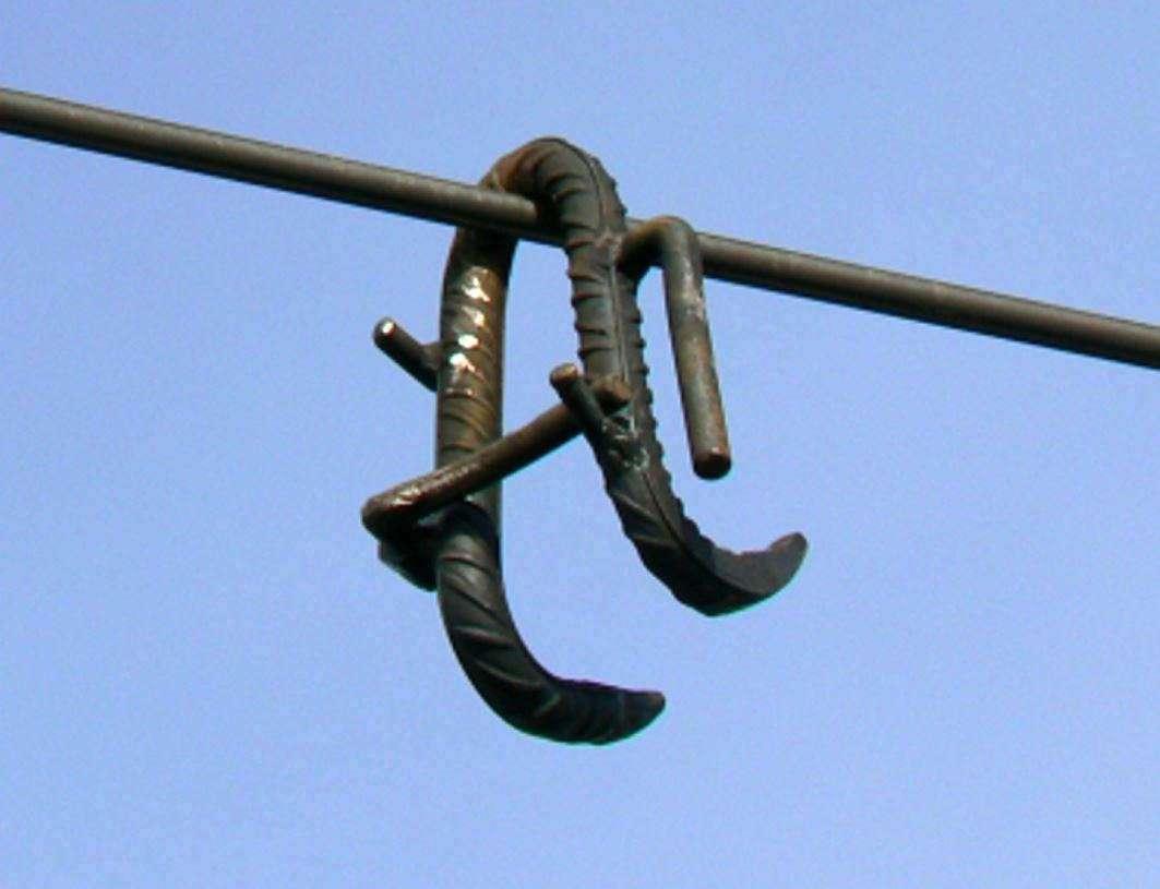 quatre-crochets-poses-sur-les-lignes-tgv