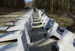 Le mur en béton du bois-Lejuc est illégal (Photo Bure-Stop)