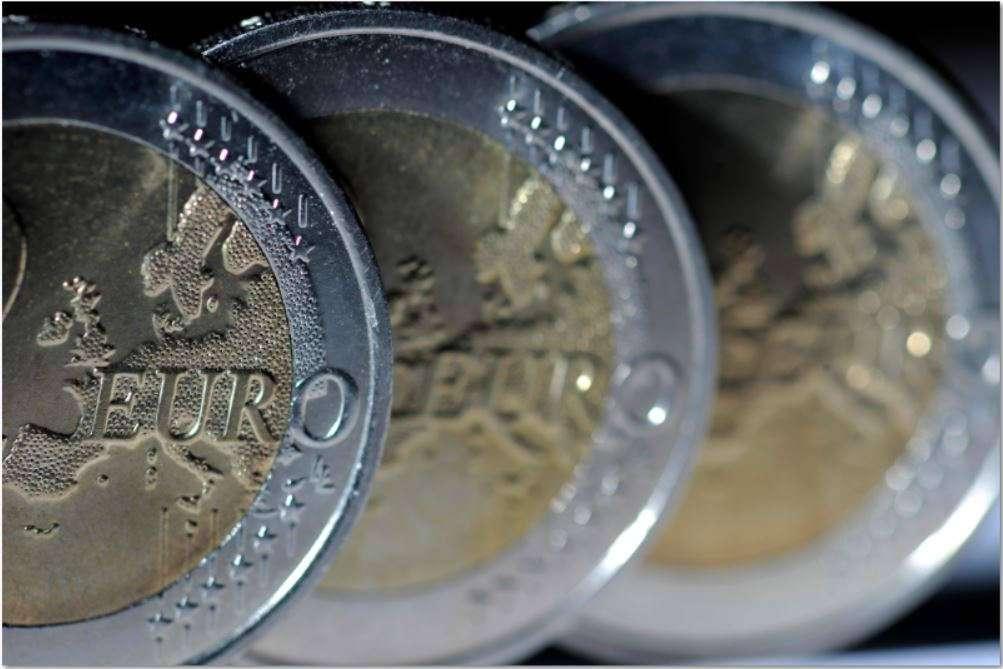 Conversation avec Anne-Laure Delatte : une sortie de l'euro est-elle possible ? profitable ?