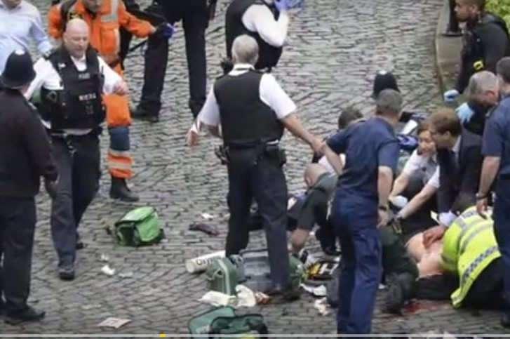 Londres : trois lycéens français blessés