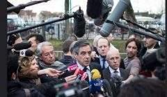 François Fillon assailli par les journalistes