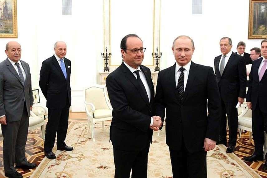 Mitterrand et Poutine contre Hollande et Eltsine, ou comment « incarner » la fonction de dirigeant