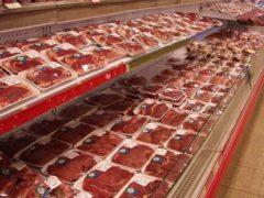 Rayon viande au supermarché (Pixabay)