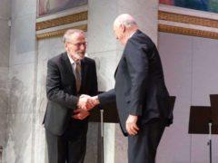 Yves Meyer à Oslo pour recevoir le prix Abel. Stéphane jaffard, CC BY