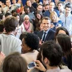 La dialectique de la communication du Président Macron: contre, àdistance ou avec lesjournalistes