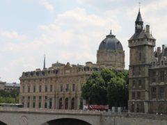 Tribunal de Commerce, Paris, Quai de l'Horloge, Île de la Cité. Alexander Johmann-Flickr, CC BY-SA