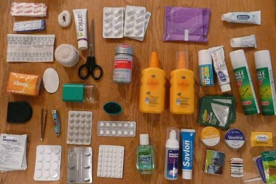 Avec quels médicaments faut-il partir envoyage?