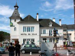 L'hôtel de ville de Jurançon, commune des Pyrénées-Atlantiques, 7 142 habitants. TempoPyrénées/Flickr, CC BY-NC