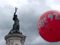 Un ballon du syndicat CGT lors d'une manifestation, place de la République à Paris (2010). so11e/Flick, CC BY-NC-ND