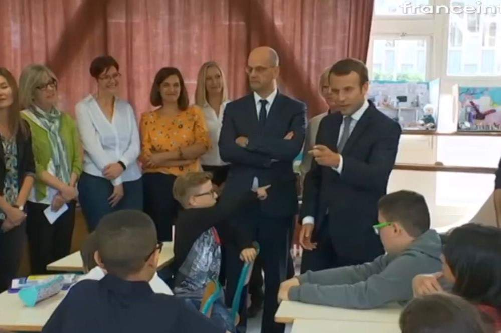 Le président fait sa rentrée scolaire à Forbach (capture France Info)