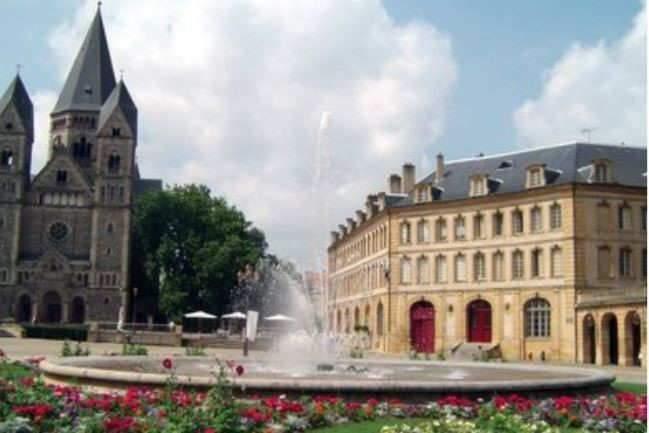 Place de la Comédie à Metz: un joyau architectural