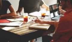 Des salariés-entrepreneurs et des architectures ouvertes : un modèle efficace, mais est-il pérenne ? VisualHunt