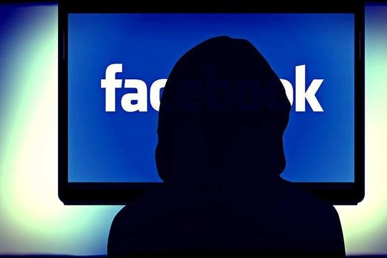 Mieux comprendre le fonctionnement de l'algorithme de Facebook, une étape indispensable pour les futurs journalistes. kalhh/Pixabay, CC BY-SA
