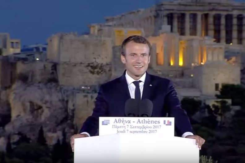 """Le président de la République à Athènes, fustige """"les fainéants"""" (capture Scoe News)"""