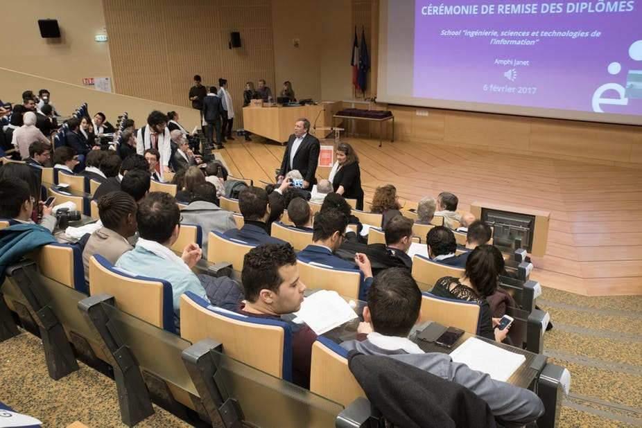 Remise des diplômes de Master, Université Paris-Saclay en février 2017. Université Paris Saclay / Flickr