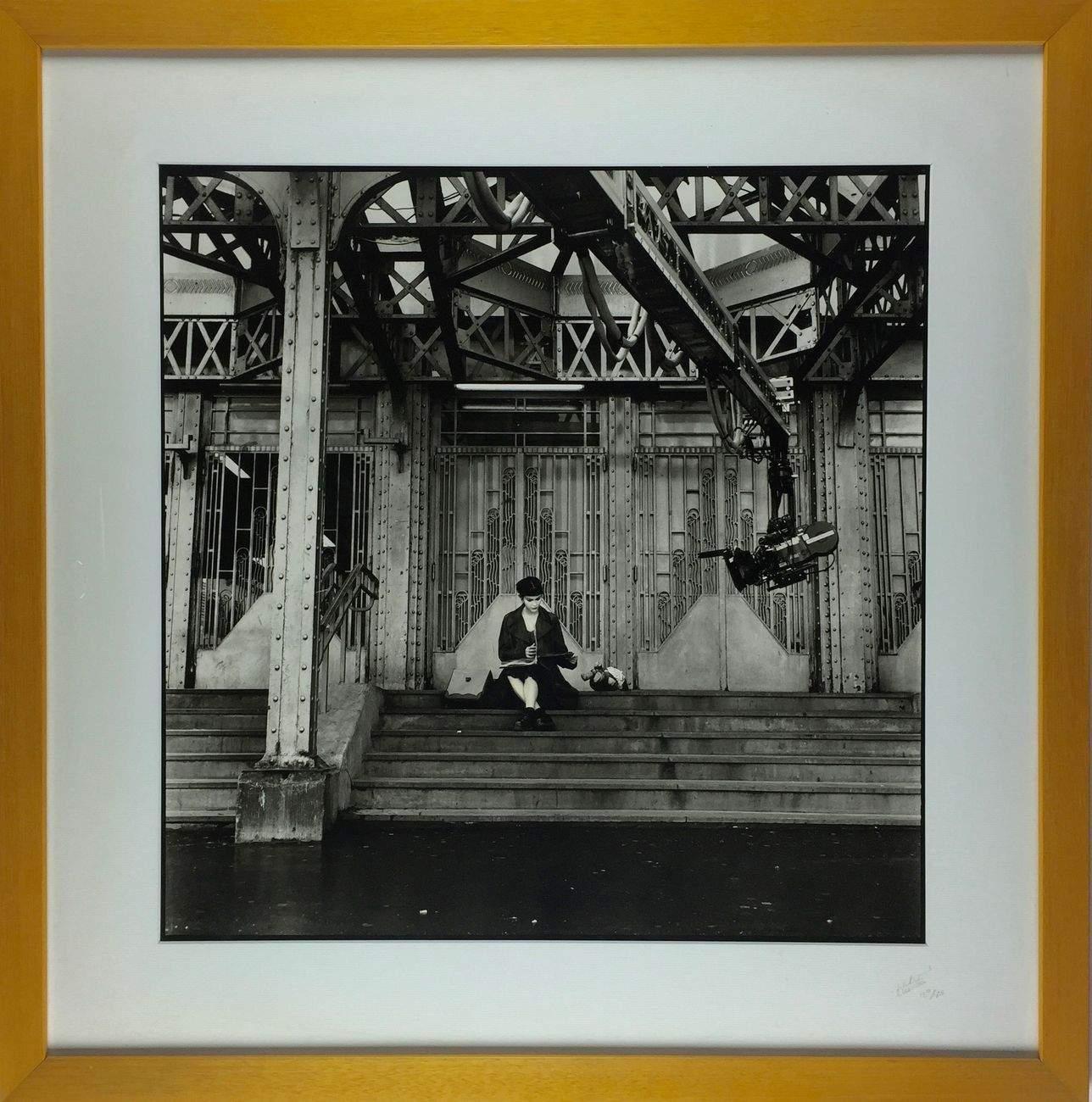 Amélie Poulain sur les marches de la Gare de l'Est.