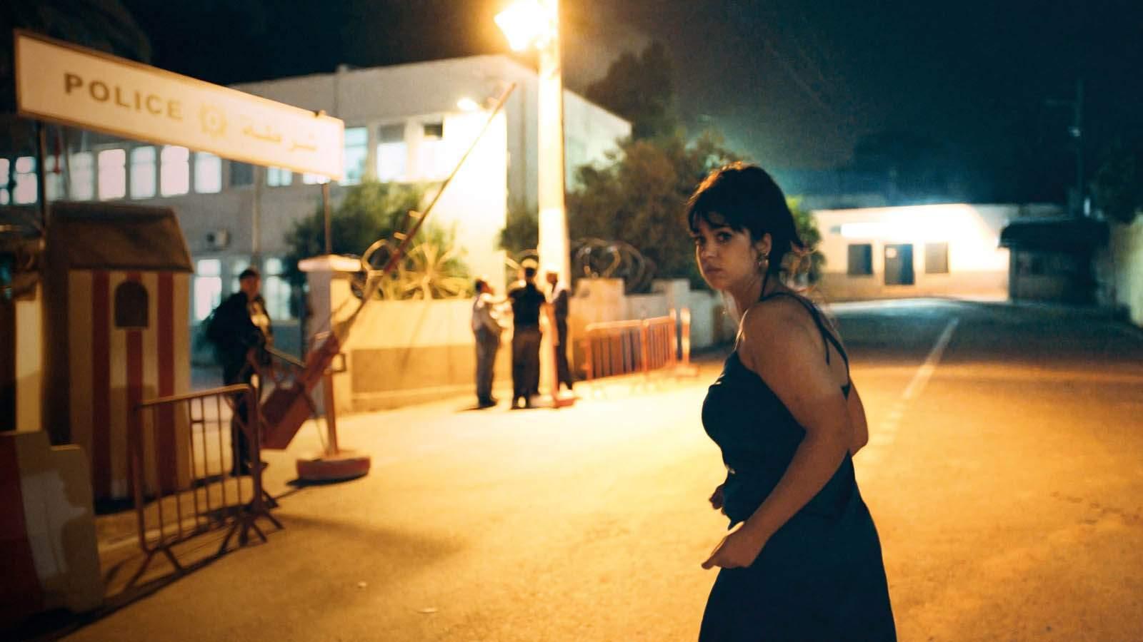 De l'hôpital à la police, Mariam va vivre une nuit de cauchemar, confrontée à la violence institutionnelle.