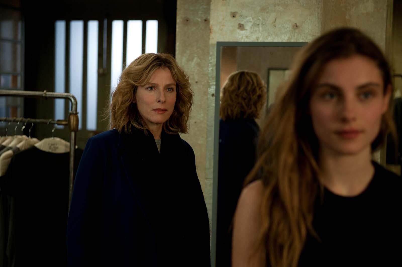 Nathalie (Karin Viard) va jusqu'à être jalouse de sa propre fille (jouée par Dara Tombroff).