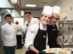 Dans les cuisines du grand restaurant (photo Bodez Région Grand Est)