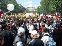 Manifestation du 1er mai à Paris (ici en 2002). Patrick Prémartin/Wikimedia, CC BY-SA