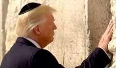 Trump devant le mur des Lamentations (capture Rewind)