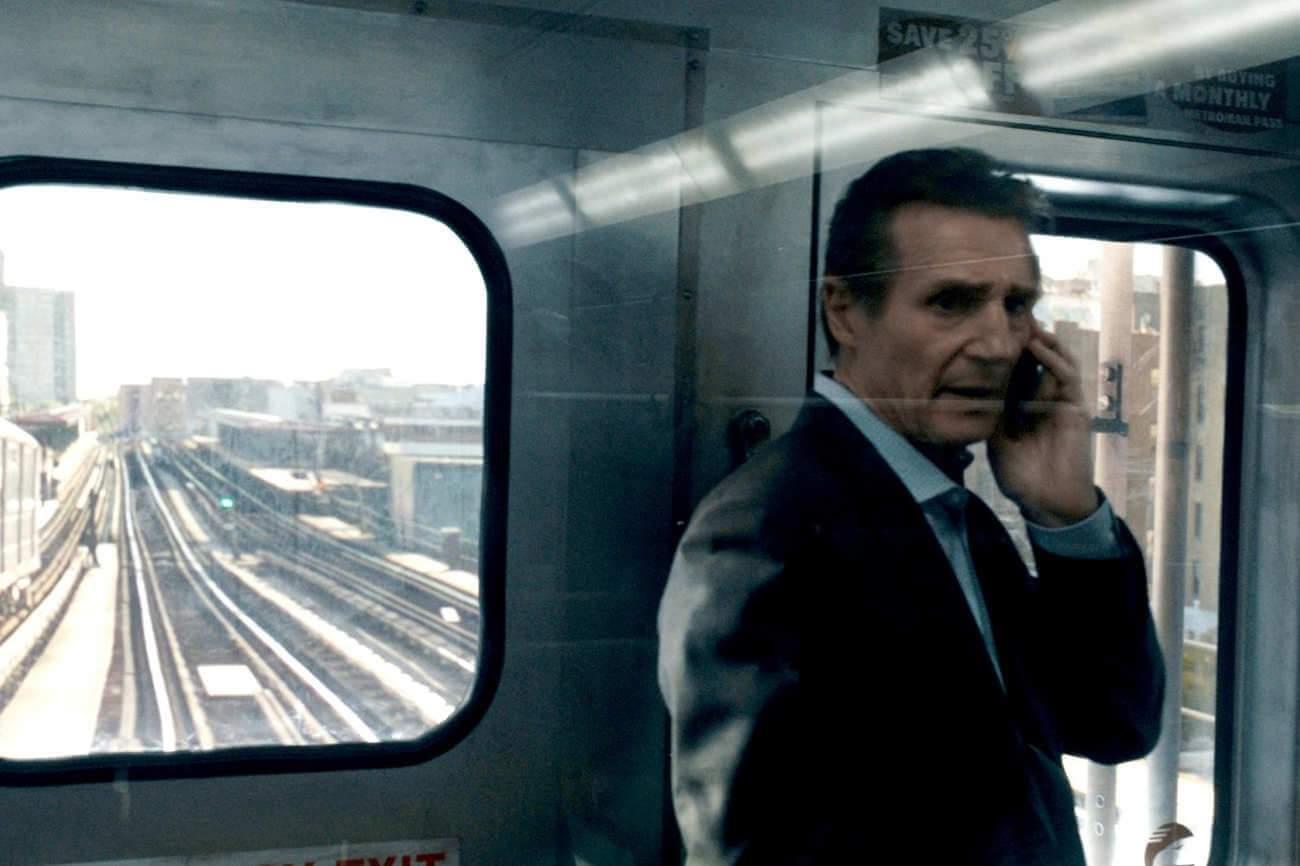Dans ce thriller à grande vitesse, Liam Neeson joue à nouveau un héros solitaire qui tente d'éviter une catastrophe.