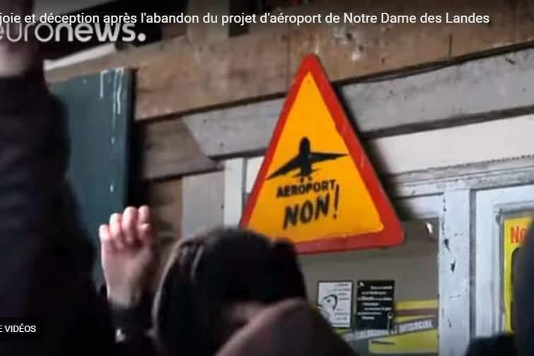 La joie des Zadistes après l'annonce de l'abandon de l'aéroport (capture Euronews)