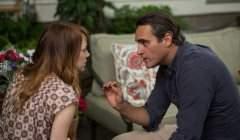 Emma Stone et Joaquin Phoenix dans L'homme irrationnel, un film de Woody Allen (2015) Allociné