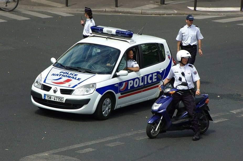 Face au malaise des policiers : une réforme en profondeur plutôt que des psychologues