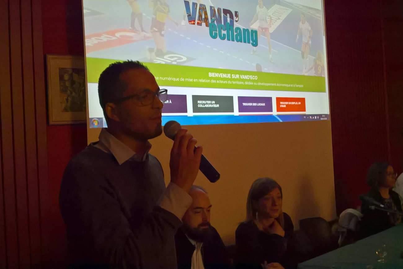 Rachid Sekkour, adjoint à l'économie de Vandoeuvre, présente la plateforme vandeco.fr (DR)