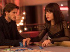 Gaspard Ulliel joue un vrai-faux auteur de théâtre et Isabelle Huppert une prostituée à la double vie.
