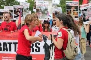 Le combat de L214 pour s'opposer à la maltraitance des animaux dans les abattoirs (Photo de L214 - Éthique & animaux)