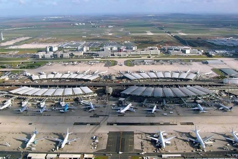 Aéroports de Paris: «Au secours Yvonne, ils vendent les bijoux de famille!»