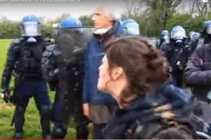 Des heurts avec les forces de l'ordre 'capture EuroNews)