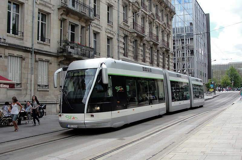 Le tram de Nancy, une vieille guimbarde qui coûte cher aux nancéiens (Photo credit: Rob Dammers on Visualhunt / CC BY)