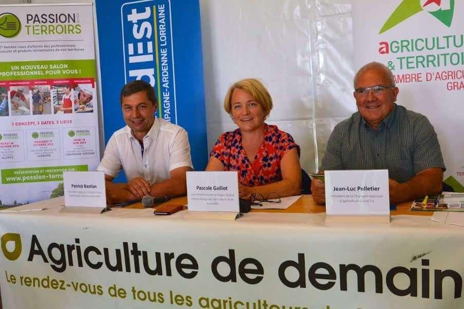 Pascale Gaillot, Vice-Présidente de la Région Grand Est en charge de l'agriculture et de la ruralité, et Jean-Luc Pelletier, Président de la Chambre régionale d'agriculture Grand Est et Patrick Bastian, Conseiller régional, Président de la Commission Agriculture et Forêt (photo Stadler, Grand Est)