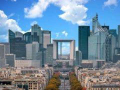Le quartier de la Défense à Paris héberge plusieurs entreprises du CAC 40. Shutterstock