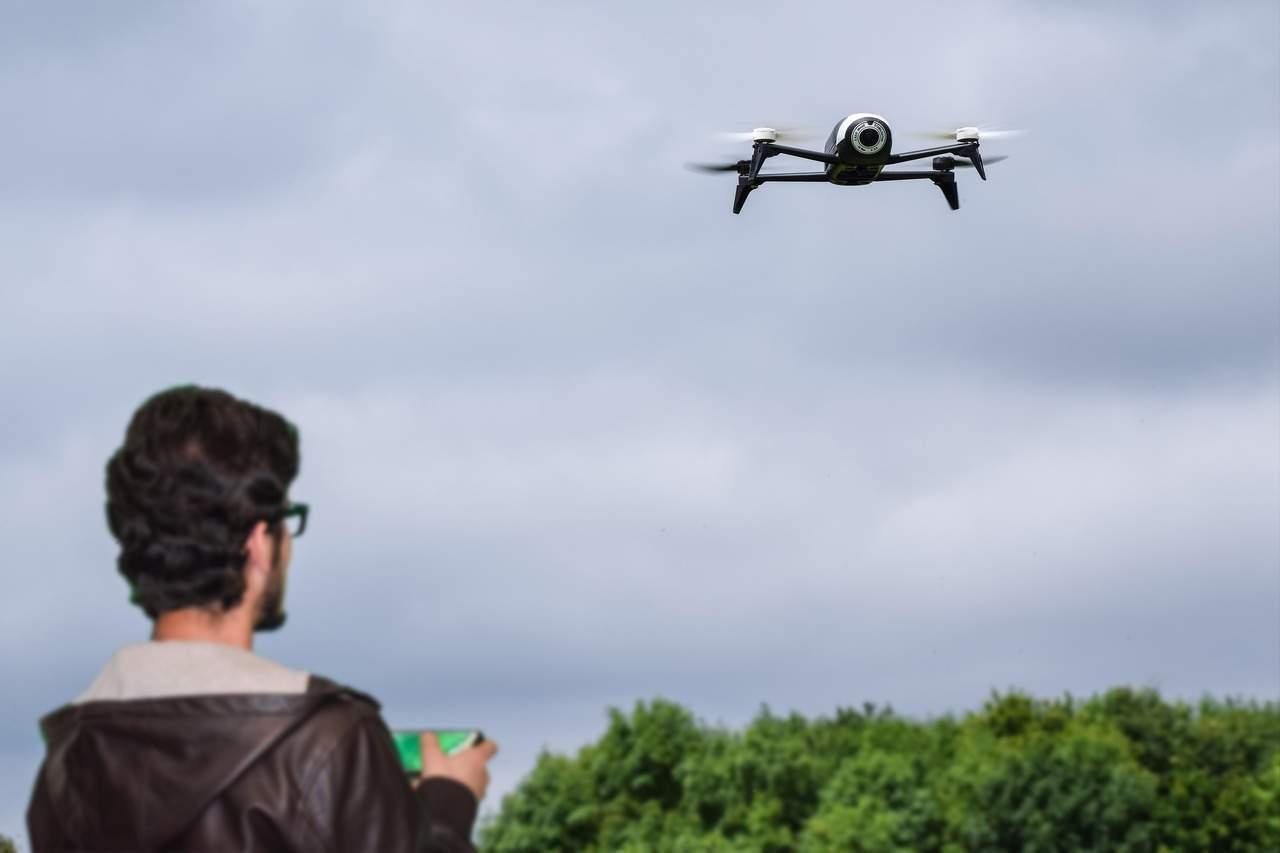 Formation au télé-pilotage de drones à Metz (CC0 Creative Commons)