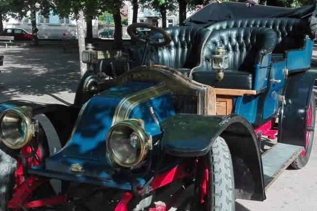 Rassemblement de véhicules anciens (comité d'histoire)