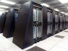 es serveurs informatiques : nouvelle bibliothèque du chercheur. Argonne National Laboratory, CC BY-SA