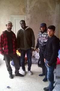 Cédric Herrou est allé soutenir les migrants, place de la Comédie (photo CMLM)
